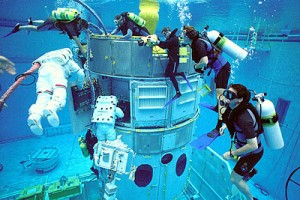 Astronauts Train Underwater