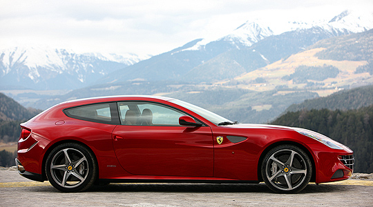 Call me crazy - but I think this think would have been fucking awesome. Ferrari-FF