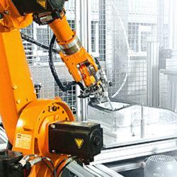 injection-molding-machine-tending-robot2